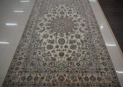 Наин 9ла – персийски ръчно тъкан килим 257 х 155 см