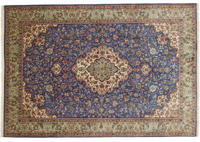 Кашмир — индийский шелковый ковер ручной работы. Состав 100% шелк. Страна Индия. Размер 248 х 173 см