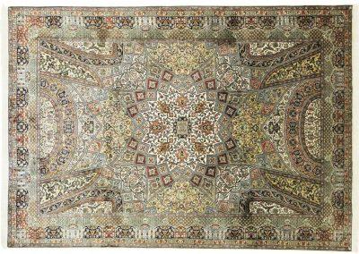 Кашмир — индийский шелковый ковер ручной работы. Состав 100% шелк. Страна Индия. Размер 314 х 219 см