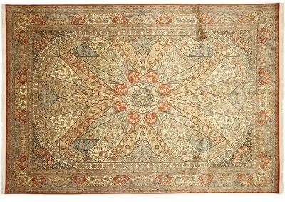 Кашмир — индийский шелковый ковер ручной работы. Состав 100% шелк. Страна Индия. Размер 314 х 218 см