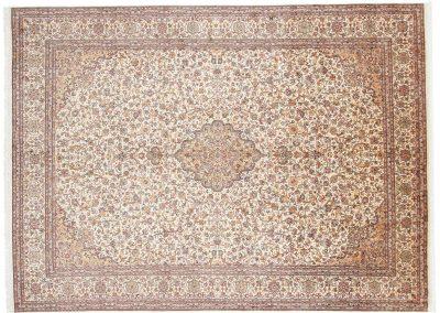 Кашмир — индийский шелковый ковер ручной работы. Состав 100% шелк. Страна Индия. Размер 326 х 244 см
