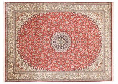 Кашмир — индийский шелковый ковер ручной работы. Состав 100% шелк. Страна Индия. Размер 338 х 252 см