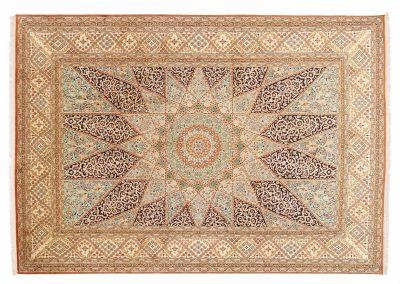 Кашмир — индийский шелковый ковер ручной работы. Состав 100% шелк. Страна Индия. Размер 339 х 240 см
