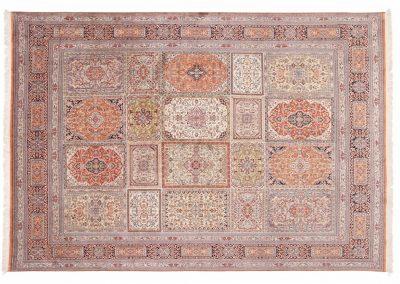 Кашмир — индийский шелковый ковер ручной работы. Состав 100% шелк. Страна Индия. Размер 346 х 239 см