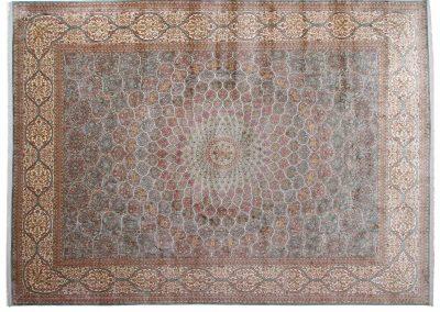 Кашмир — индийский шелковый ковер ручной работы. Состав 100% шелк. Страна Индия. Размер 500 х 364 см
