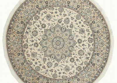 Наин – персийски ръчно тъкан килим от вълна и коприна – 250 х 250 см