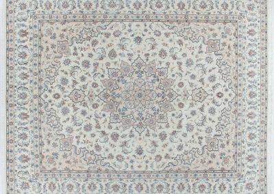 Наин – персийски килим от финна вълна и коприна – 311 х 256 см