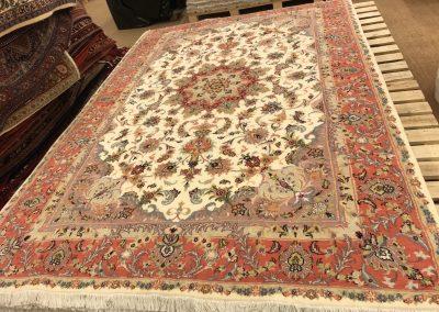 Табриз – персийски килим от финна вълна и коприна – 292 х 197 см