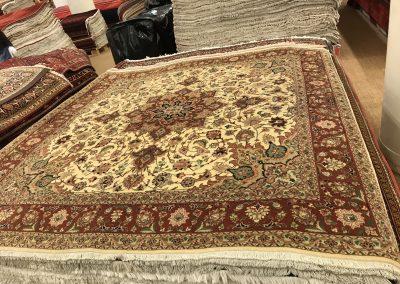 Табриз – персийски килим от финна вълна и коприна – 200 х 200 см
