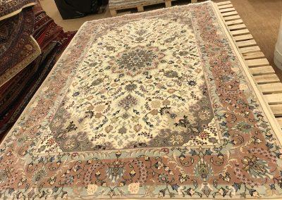 Табриз – персийски килим от финна вълна и коприна – 292 х 194 см