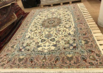 Табриз – персийски килим от финна вълна и коприна – 300 х 200 см