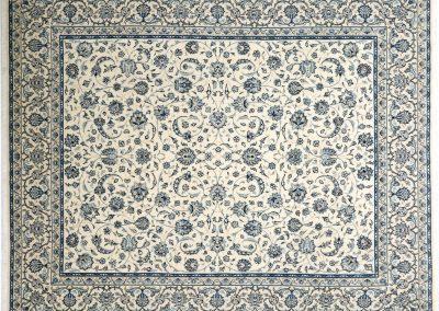 Наин – персийски килим от финна вълна и коприна – 302 х 243 см