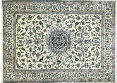 Наин – персийски килим от финна вълна и коприна – 348 х 248 см