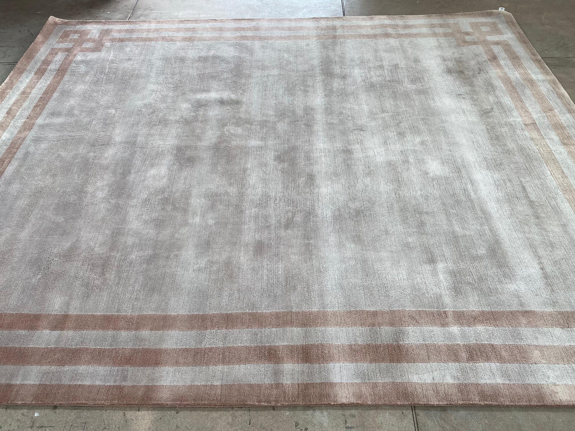 Килим от естествена коприна